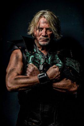 Bassist Gladius Thundersword von Hammer King