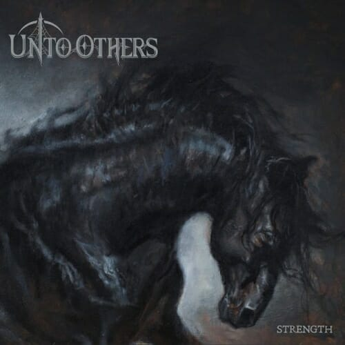 """Ein schwarzes Pferd als Cover des Albums """"Strength"""" von UNTO OTHERS"""