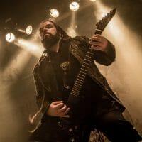 Der Gitarrist von Septicflesh live.